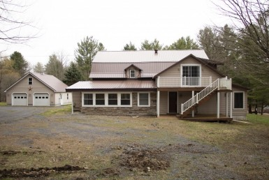 11 acre Waterfront 6 Bedroom and 3 Bathroom House in Greig, NY!