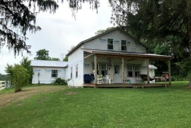 2.32 acres Farmhouse and Farm New Berlin NY